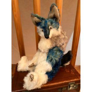 【受注制作】ムラ染めブルーの抱きオオカミ